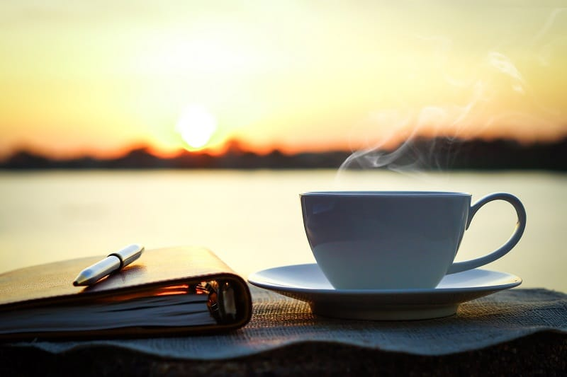 Health benefits and risks of drinking coffee